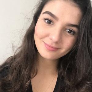 Júlia profile photo