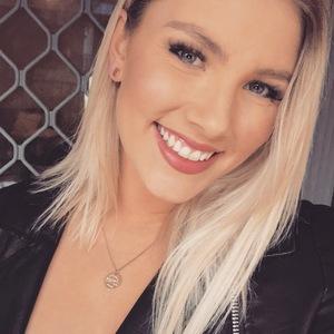 Nicolle profile photo